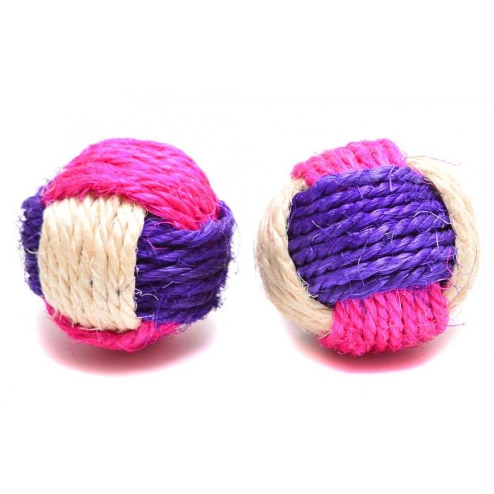 Шарена топка - занимателна играчка за котка